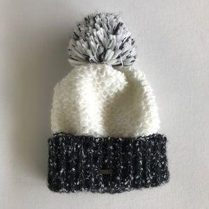 Steve Madden black and white Knit Pom Pom Beanie